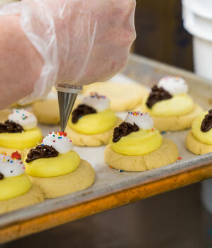 Dia de la Madre cookies and sweets